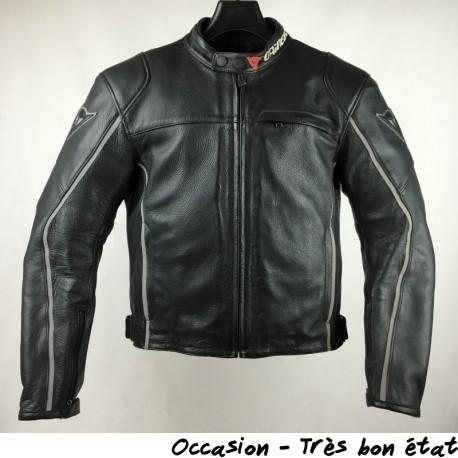 blouson moto cuir dainese occasion les vestes la mode sont populaires partout dans le monde. Black Bedroom Furniture Sets. Home Design Ideas