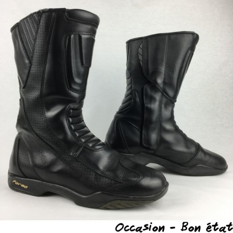BOTTES CUIR FORMA P.42
